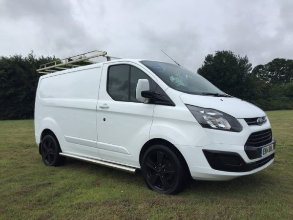 ford transit custom 250 eco tech vans for sale isle of wight. Black Bedroom Furniture Sets. Home Design Ideas