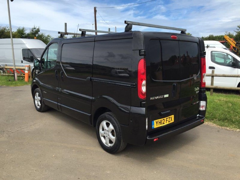 renault traffic sport vans for sale isle of wight. Black Bedroom Furniture Sets. Home Design Ideas