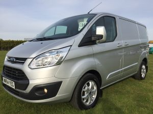 FORD TRANSIT CUSTOM LIMITED 290 LTD E-TECH 125PS 64